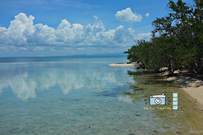 cuba clear blue beach