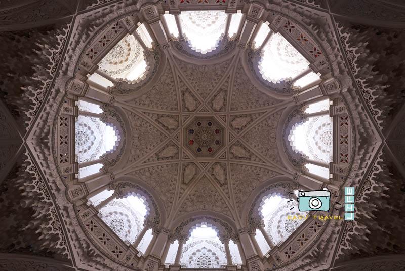 amazing italian ceiling