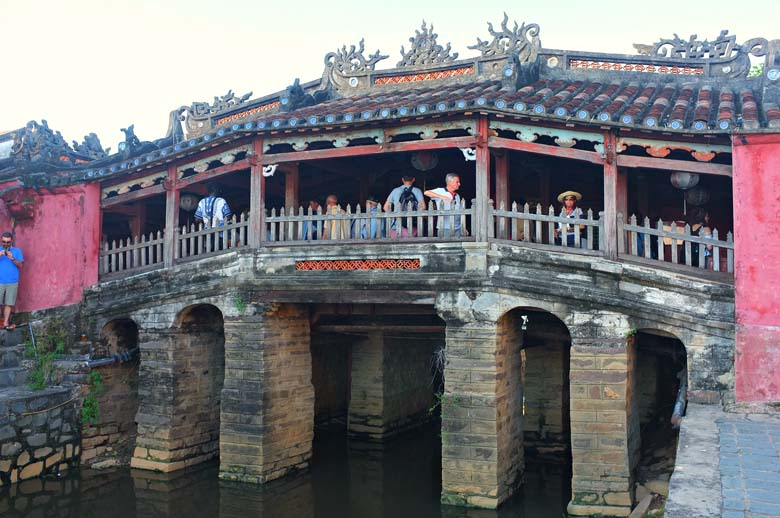 chinese bridge Hoi An
